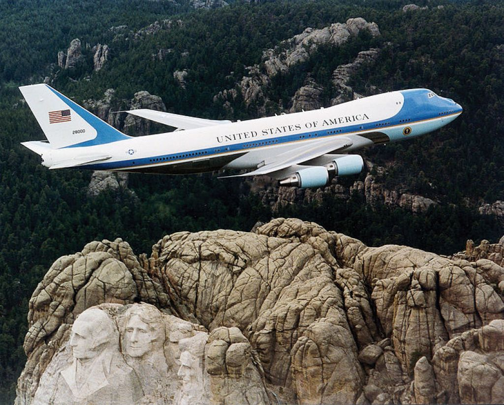 air force one5 Air Force One   The Safest Airplane in the World