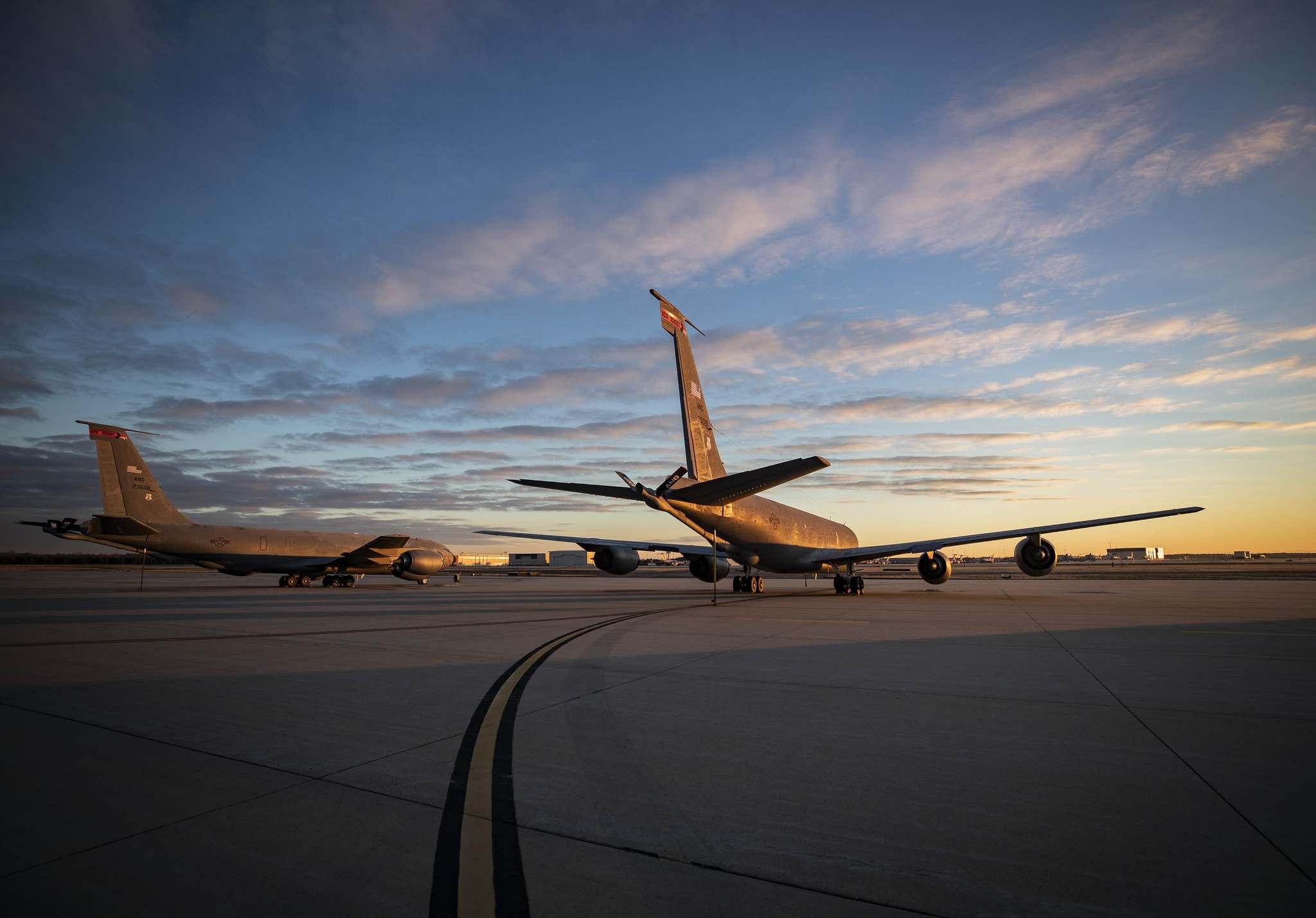 boeing kc 1354 Boeing KC 135R Stratotanker Photos