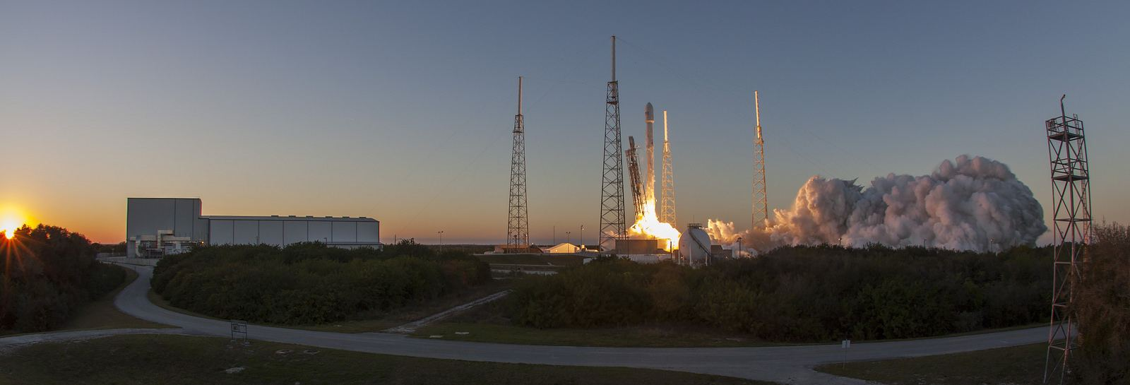 spacex2 Falcon 9 lifted off from SpaceX Launch Complex