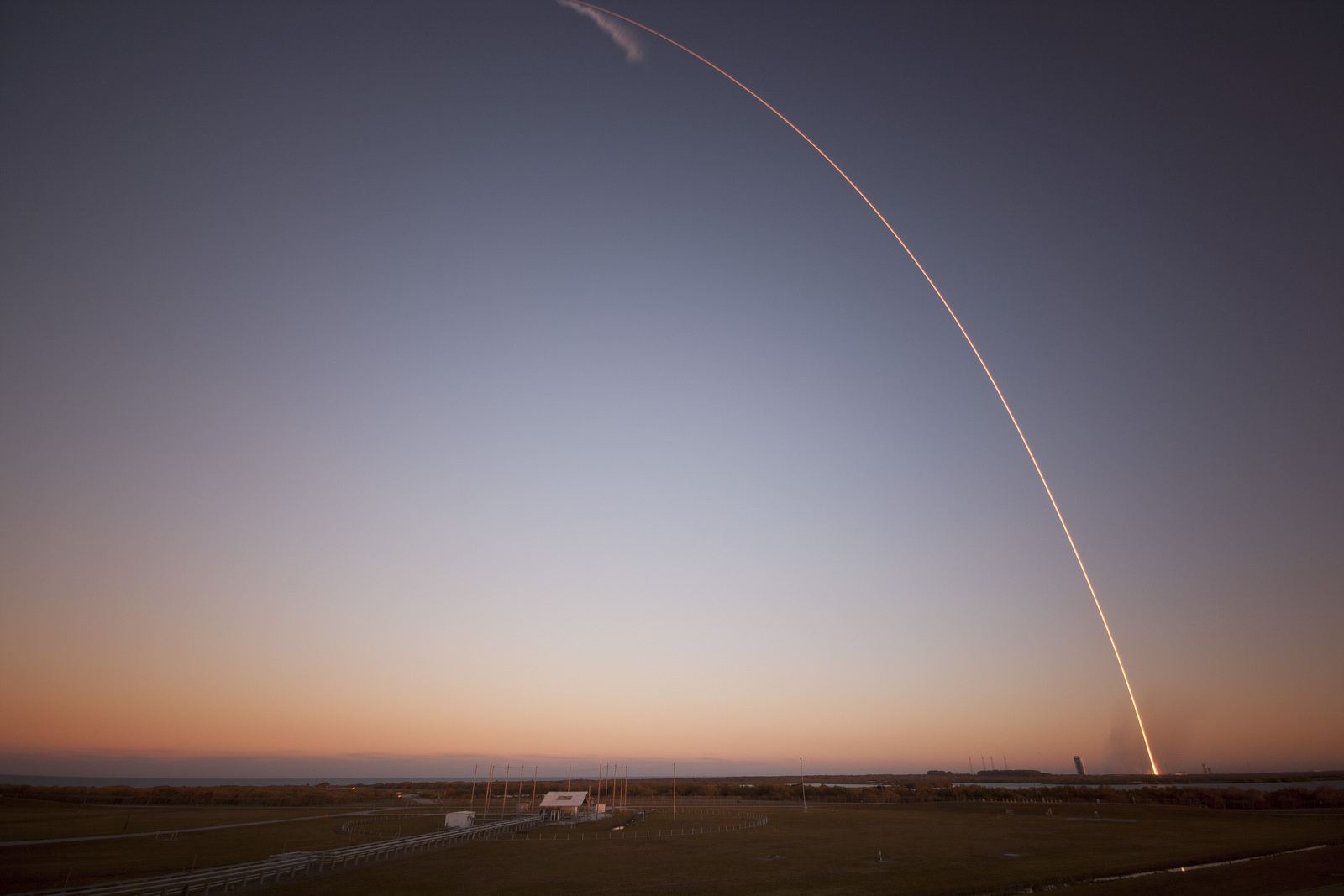 spacex7 Falcon 9 lifted off from SpaceX Launch Complex