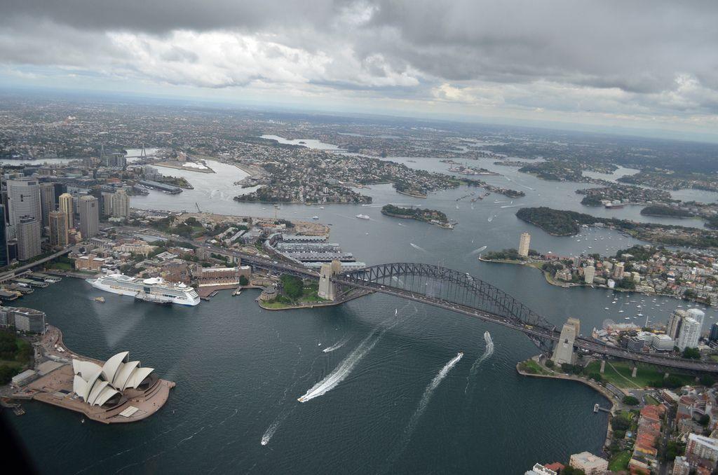 helicopter flight Helicopter flight over Sydney