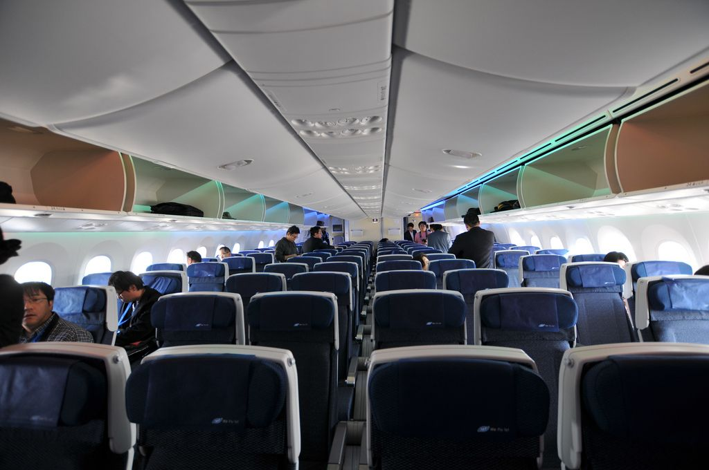 dream liner 7873 Inside Boeing Dreamliner 787