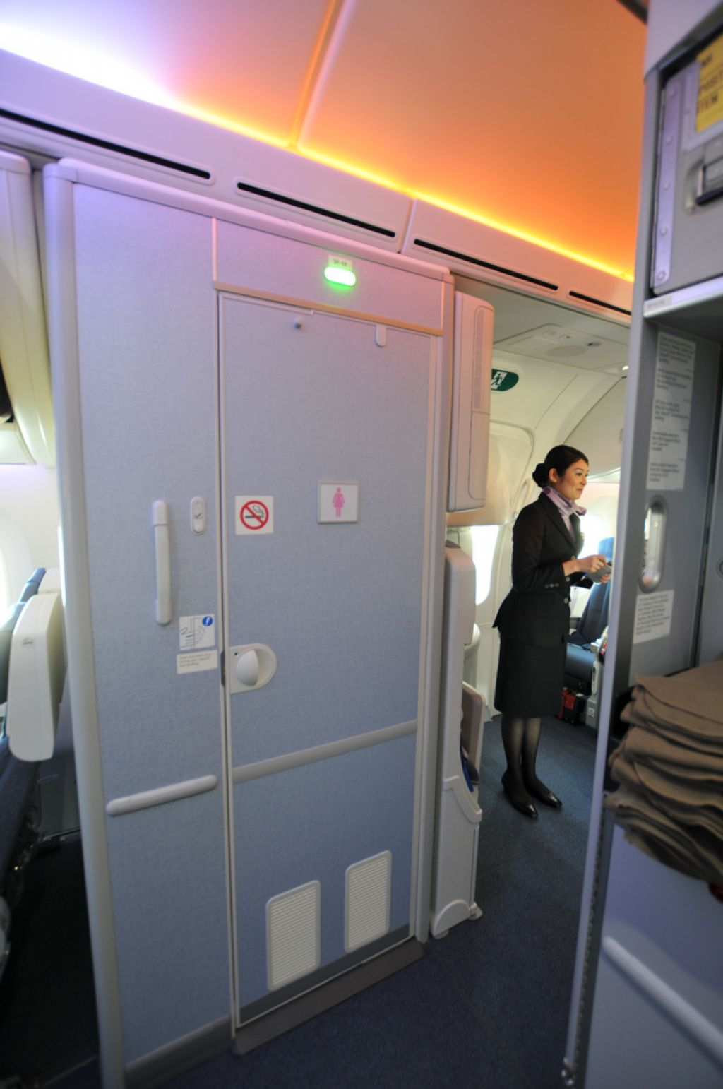 dream liner 7875 Inside Boeing Dreamliner 787