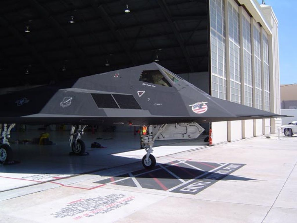 f 11710 Lockheed F 117 Nighthawk Still in Service
