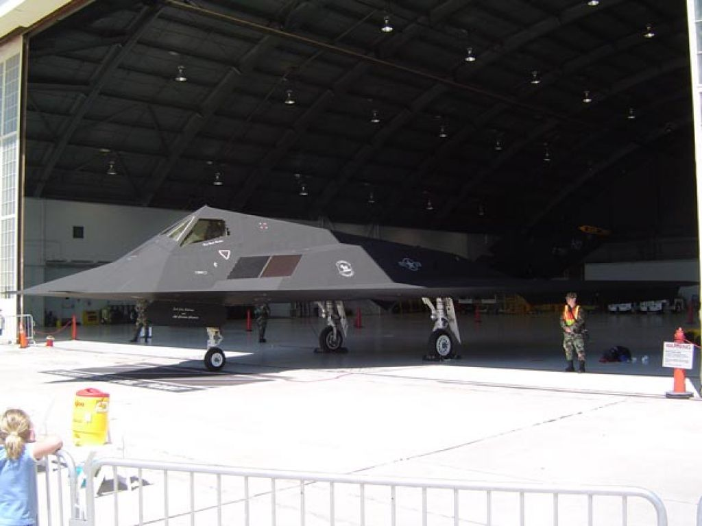 f 11711 Lockheed F 117 Nighthawk Still in Service