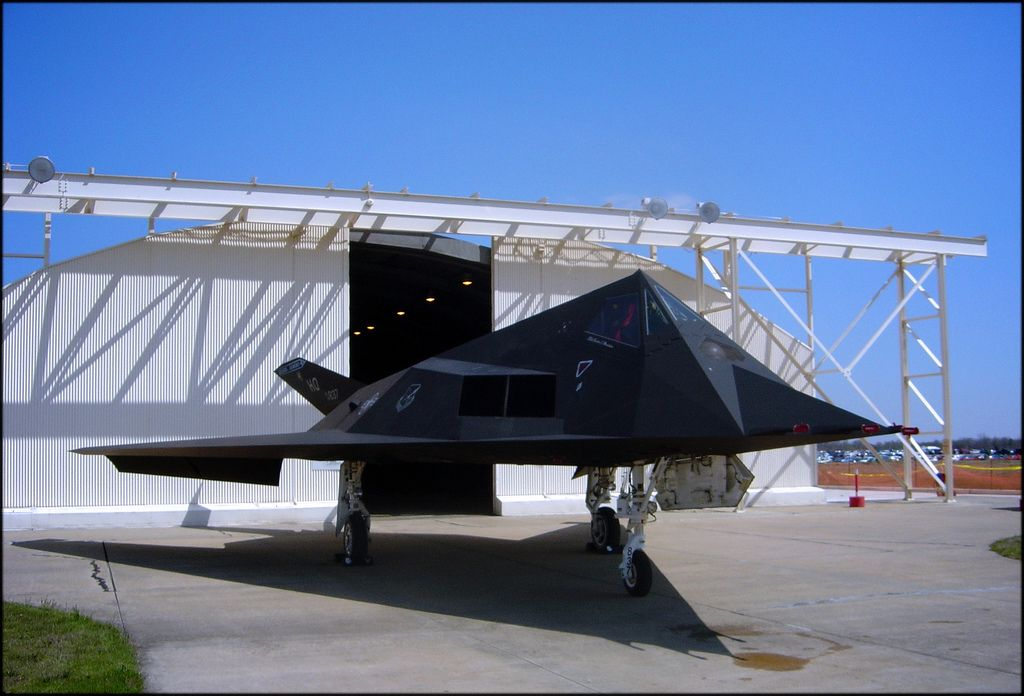f 1173 Lockheed F 117 Nighthawk Still in Service