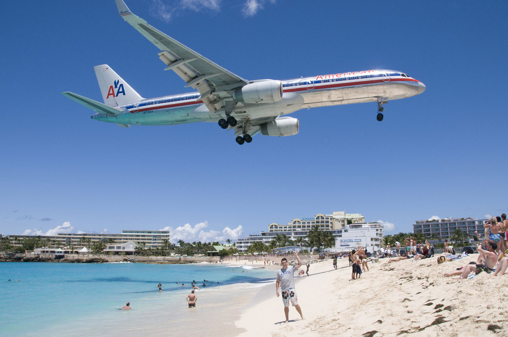 maho beach st maarten4 Planes Landing over Maho Bay Beach
