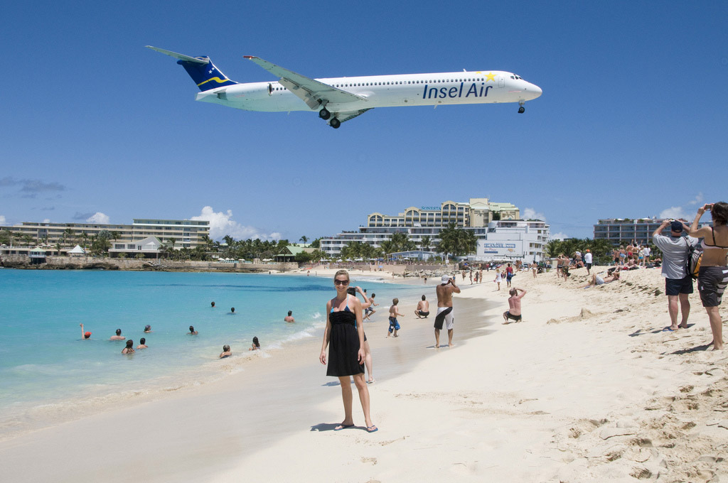 maho beach st maarten7 Planes Landing over Maho Bay Beach
