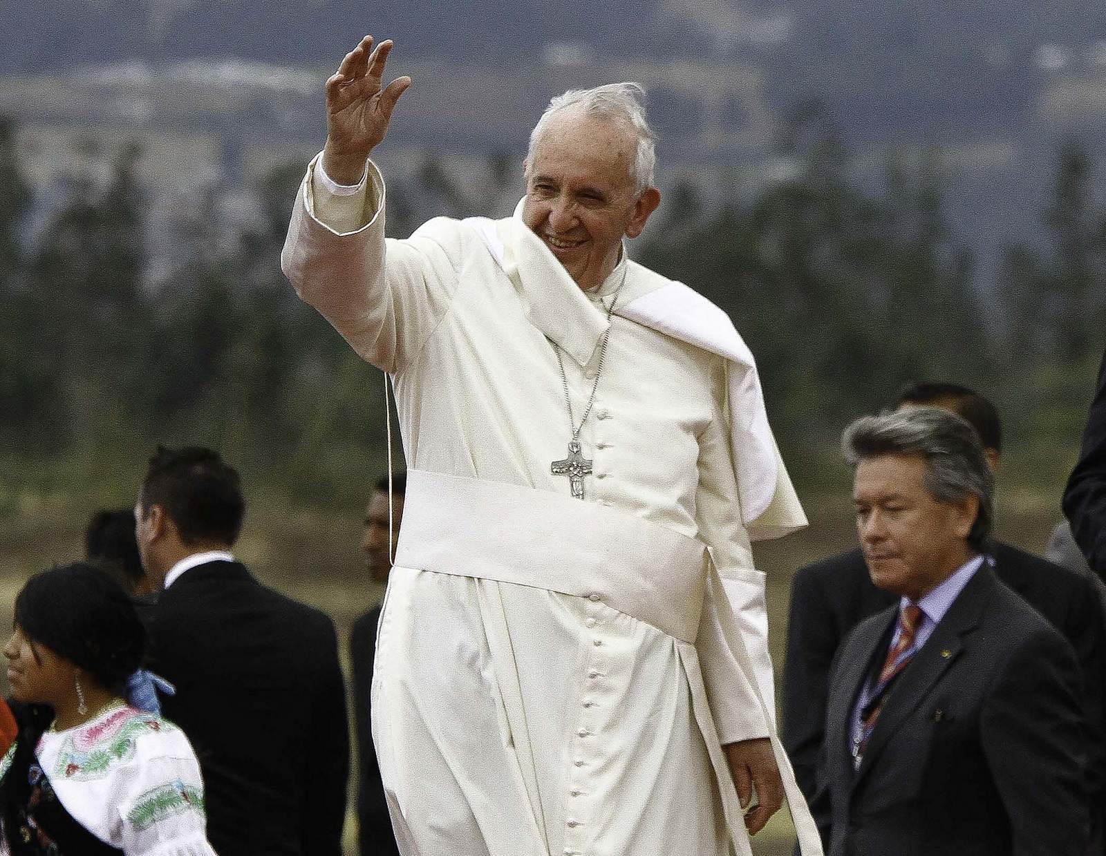 pope francis2 Pope Francis leaving Ecuador