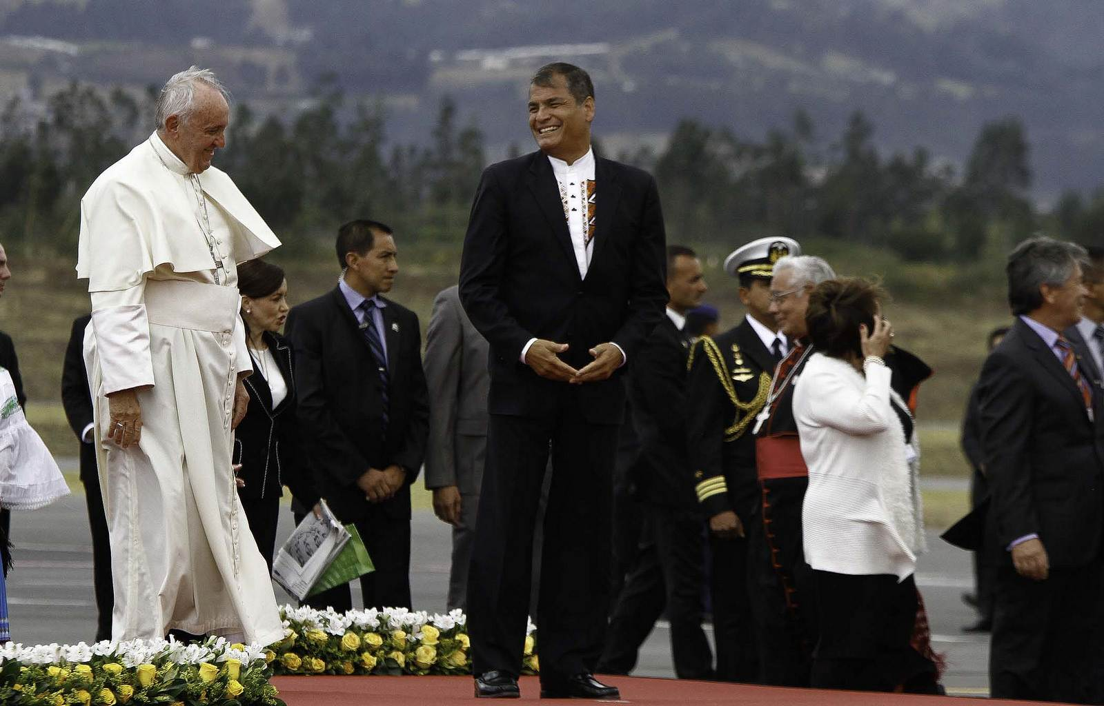 pope francis4 Pope Francis leaving Ecuador