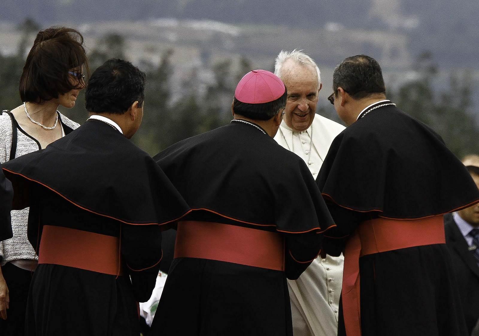 pope francis5 Pope Francis leaving Ecuador
