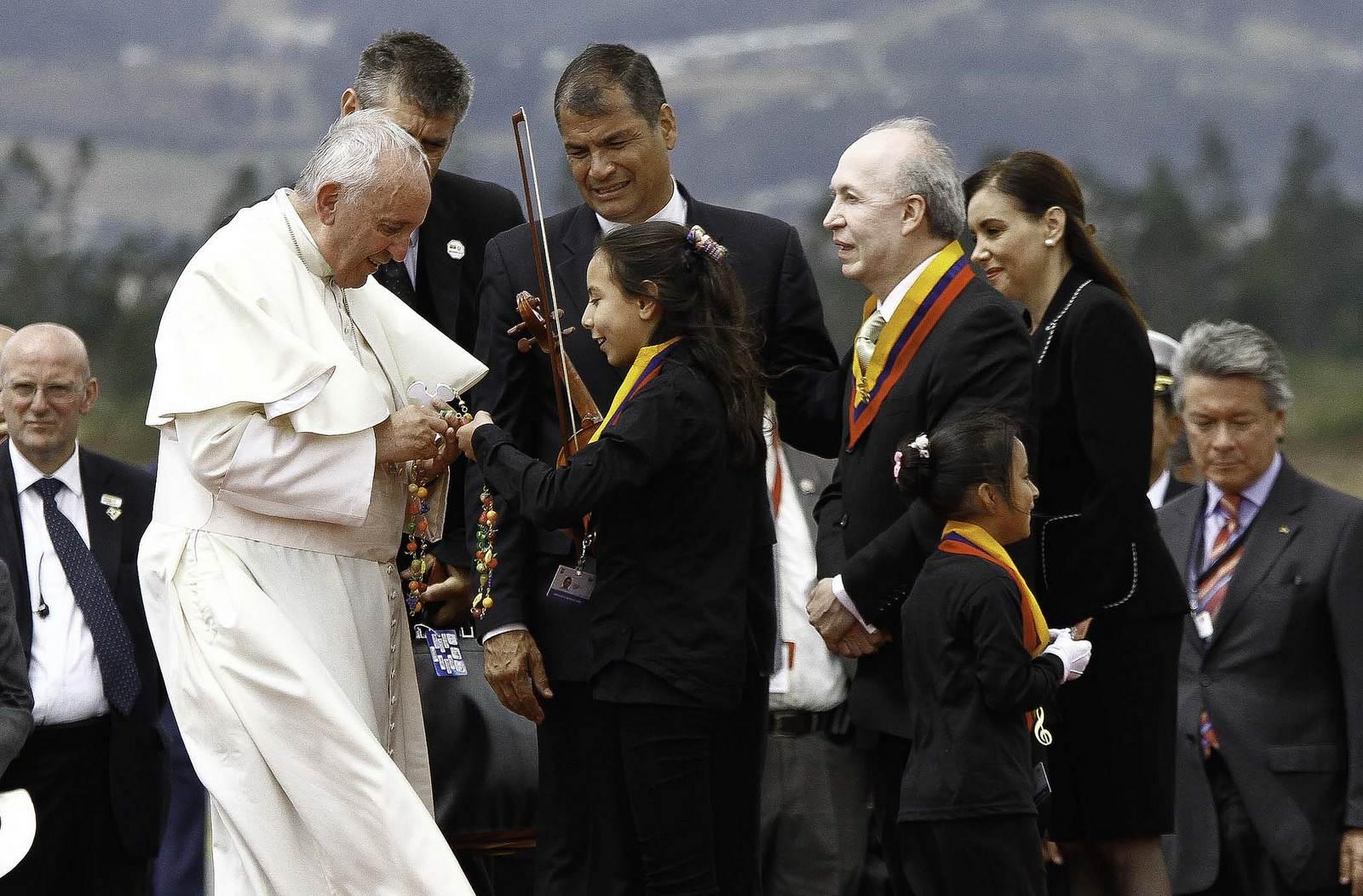 pope francis6 Pope Francis leaving Ecuador