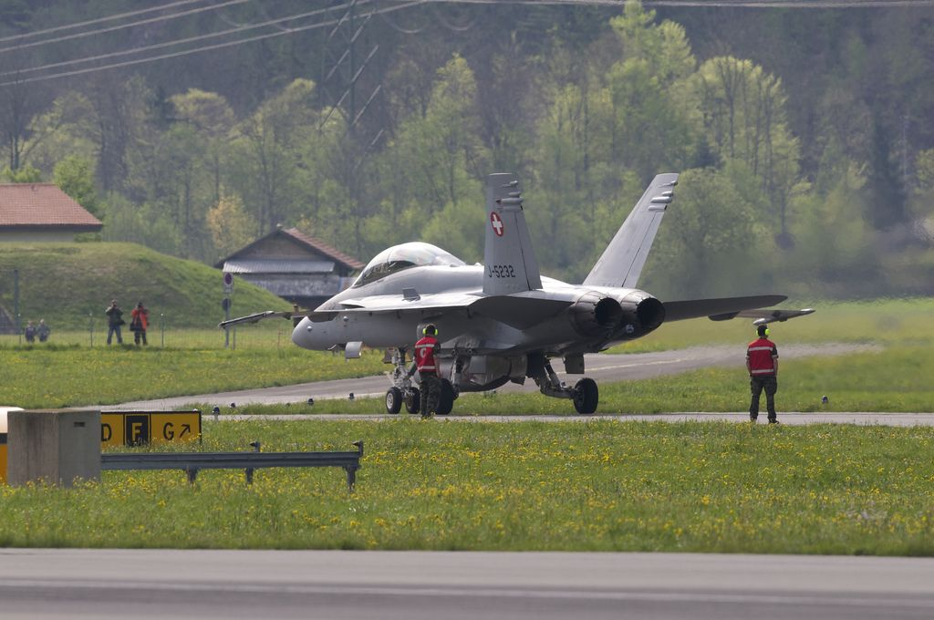 airforce base8 The Swiss Airforce from Meiringen Airbase Securing World Economic Forum 2013