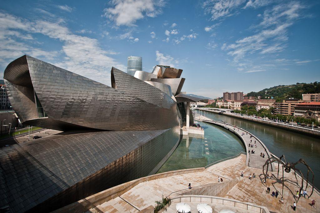 guggenheim museum10 Amazing Building of Guggenheim Museum in Bilbao