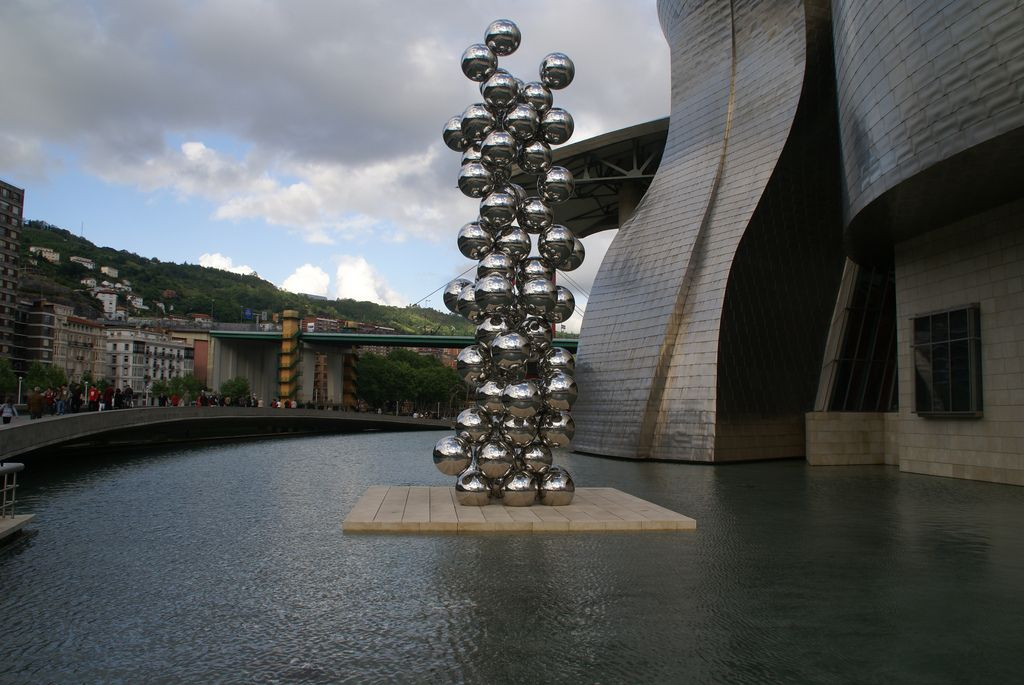 guggenheim museum11 Amazing Building of Guggenheim Museum in Bilbao