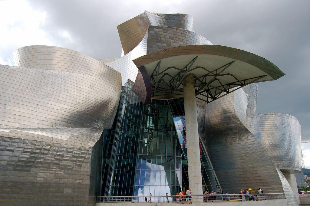 guggenheim museum2 Amazing Building of Guggenheim Museum in Bilbao