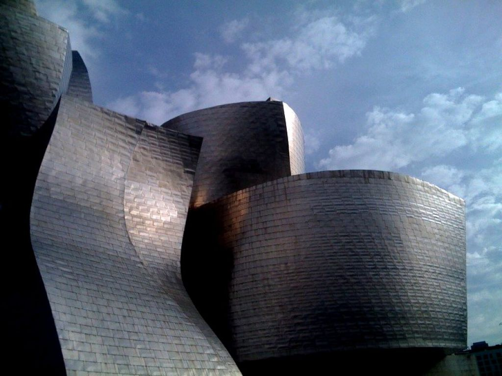 guggenheim museum4 Amazing Building of Guggenheim Museum in Bilbao