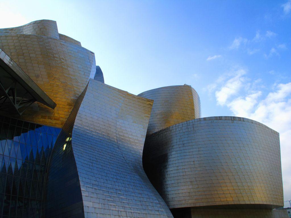 guggenheim museum6 Amazing Building of Guggenheim Museum in Bilbao