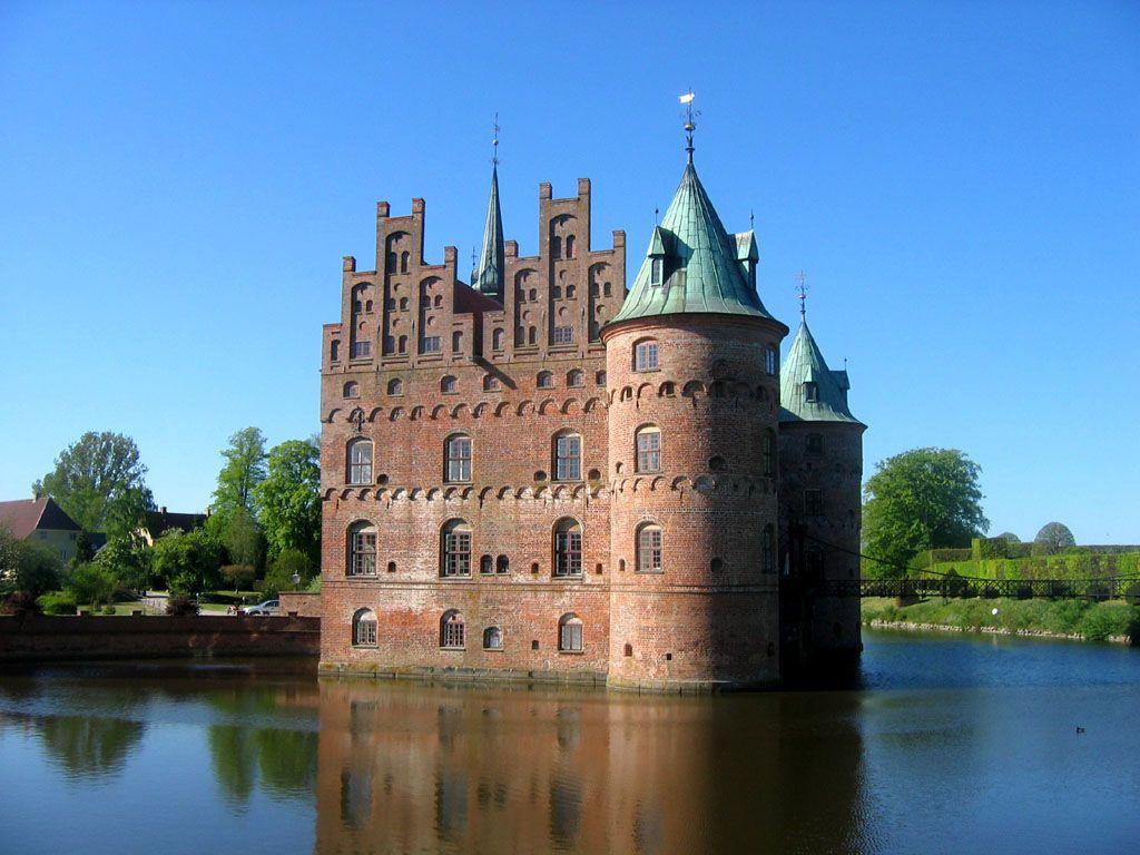 egeskov2 Egeskov Renaissance Water Castle in Denmark