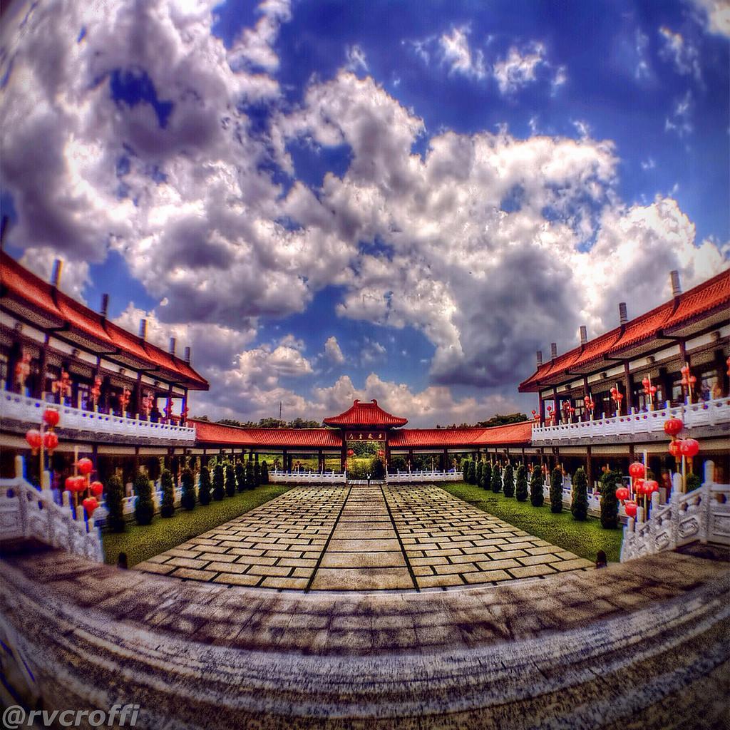 zu lai1 HDR Zu Lai Temple in Sao Paulo, Brasil by iPhone