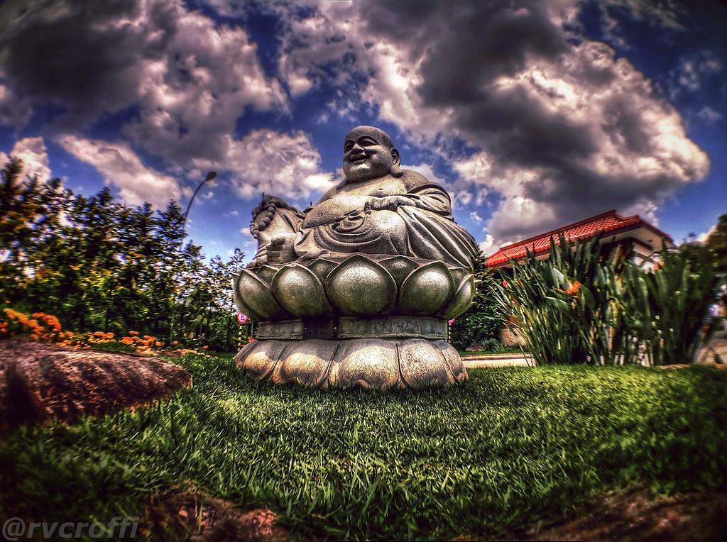 zu lai5 HDR Zu Lai Temple in Sao Paulo, Brasil by iPhone