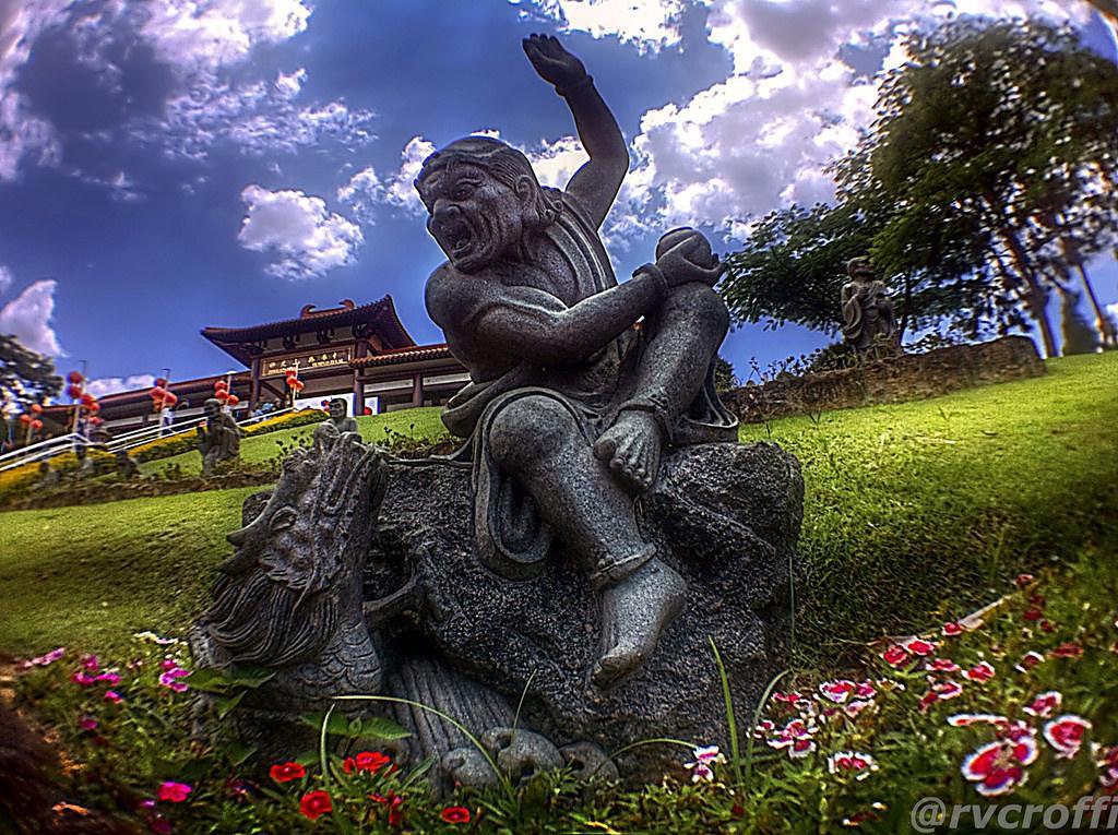 zu lai6 HDR Zu Lai Temple in Sao Paulo, Brasil by iPhone
