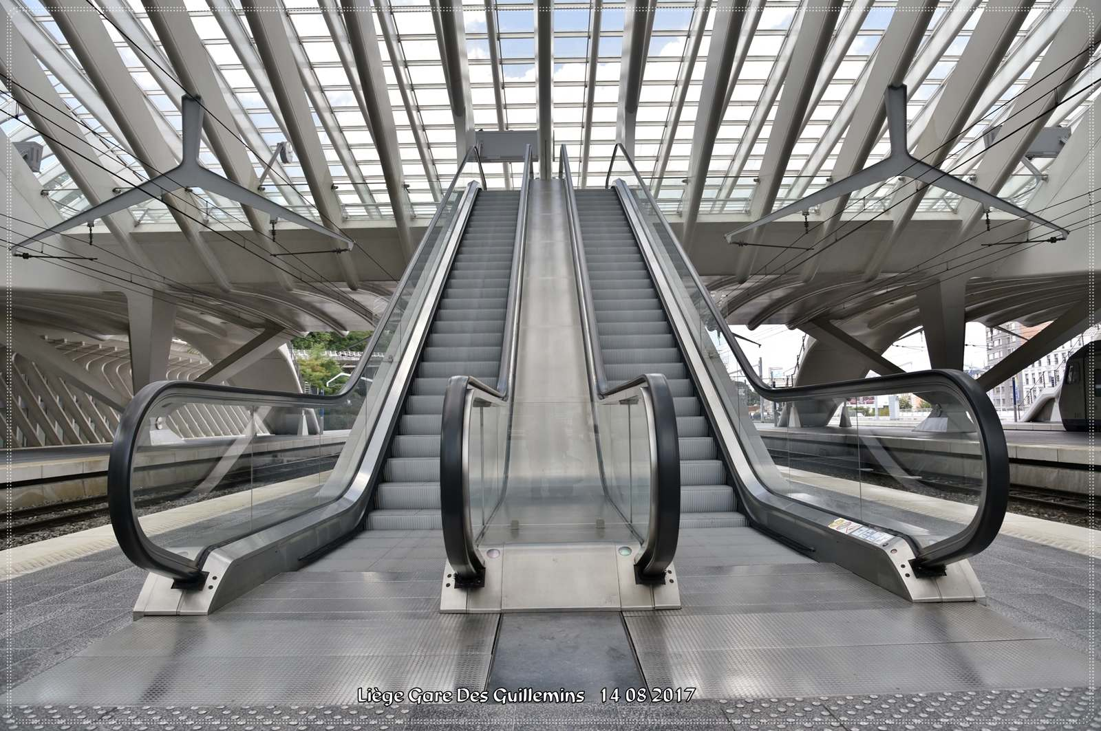 gare des guillemins4 Liege Guillemins Railway Station by Santiago Calatrava