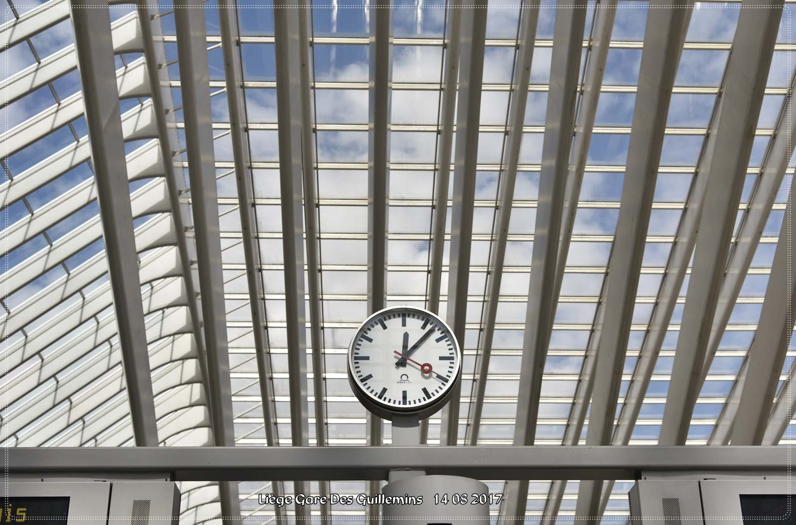 gare des guillemins8 Liege Guillemins Railway Station by Santiago Calatrava