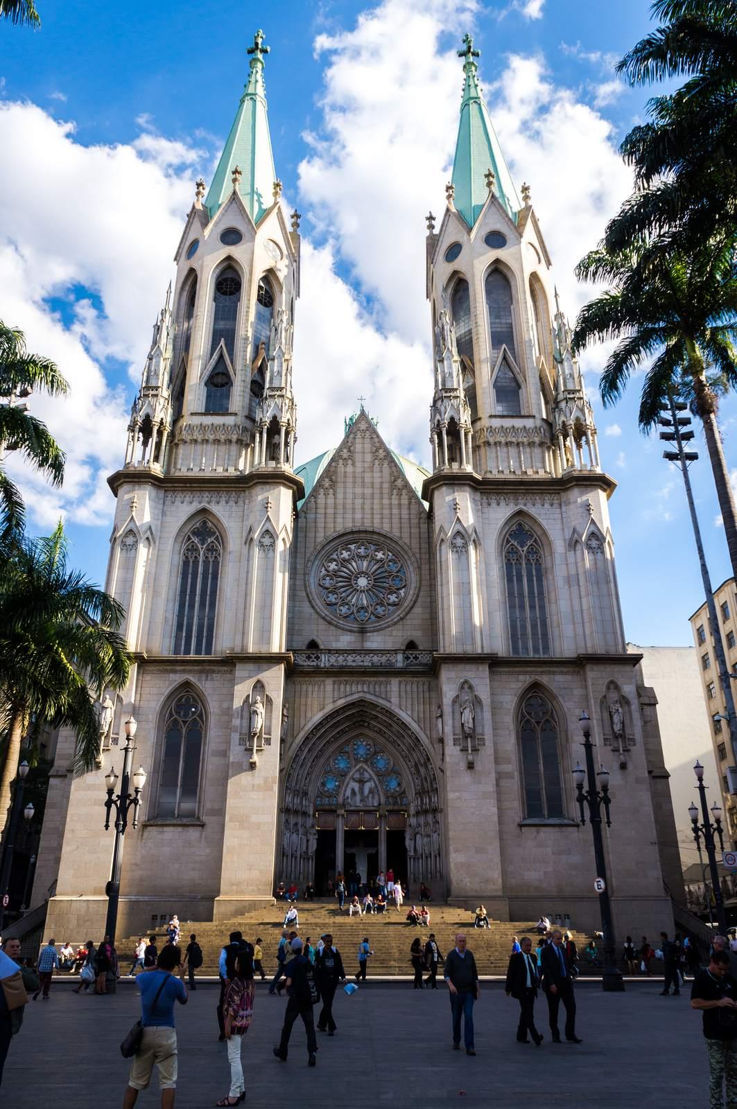 metropolitan cathedral1 Metropolitan Cathedral of Sao Paulo, Brazil