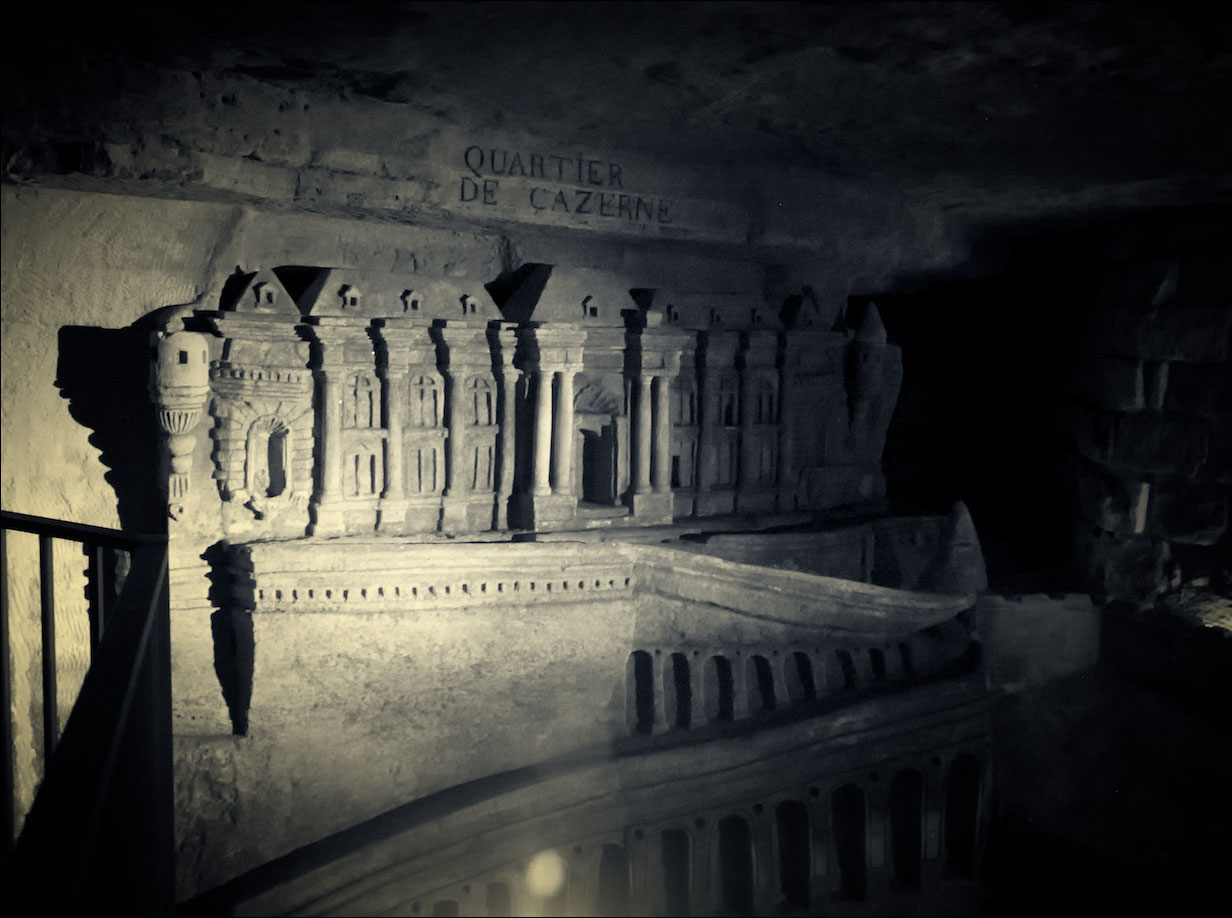 mysterious catacombs paris2 The Mysterious Catacombs of Paris