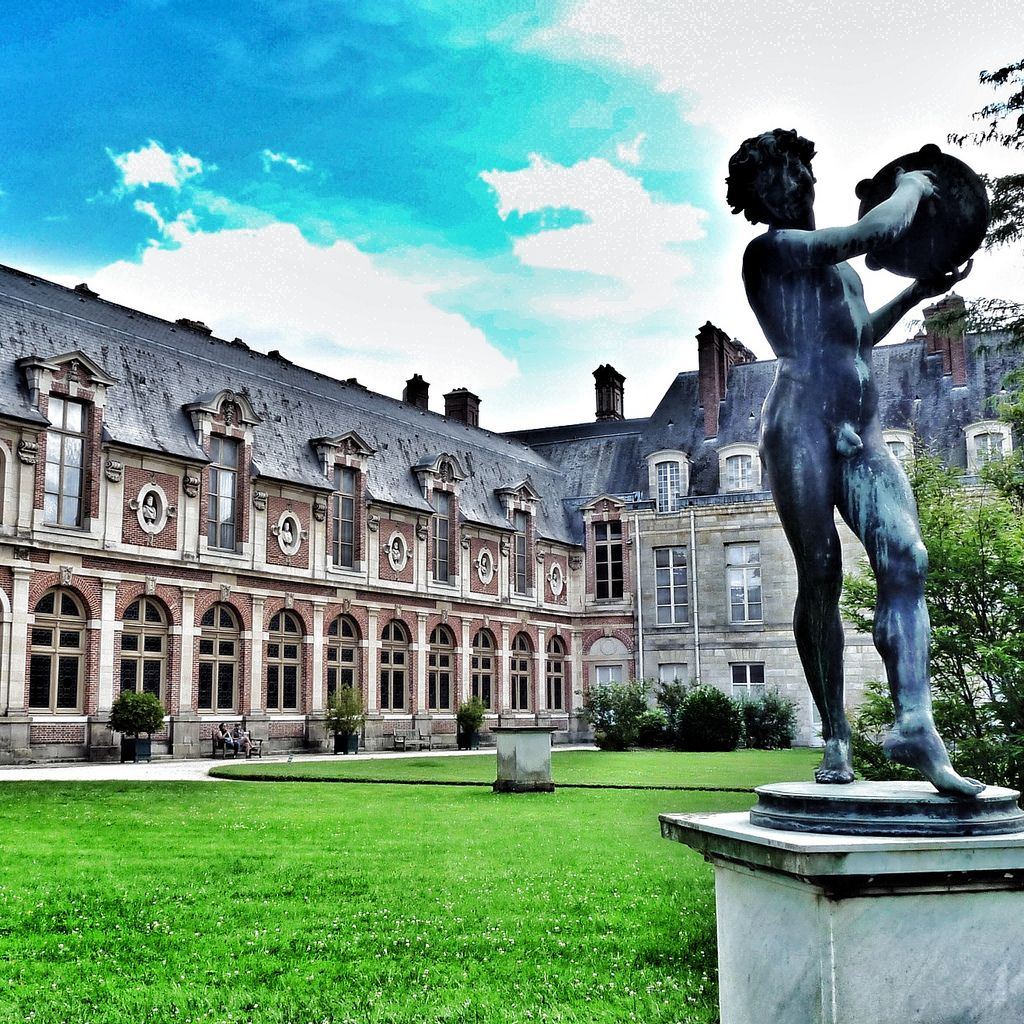 chateau  fontainebleau11 Palace of Fontainebleau   One of the Largest French Royal Chateaux
