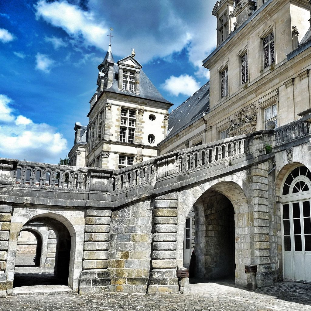 chateau  fontainebleau9 Palace of Fontainebleau   One of the Largest French Royal Chateaux