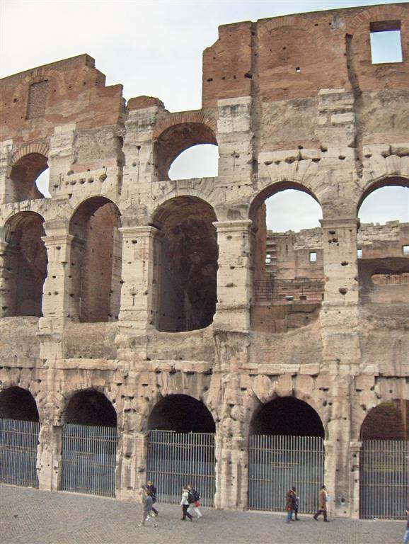 rome colosseum1 Rome Colosseum An Imposing and Beautiful Sight