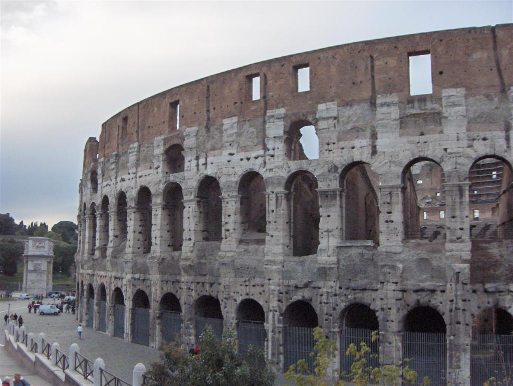 rome colosseum15 Rome Colosseum An Imposing and Beautiful Sight