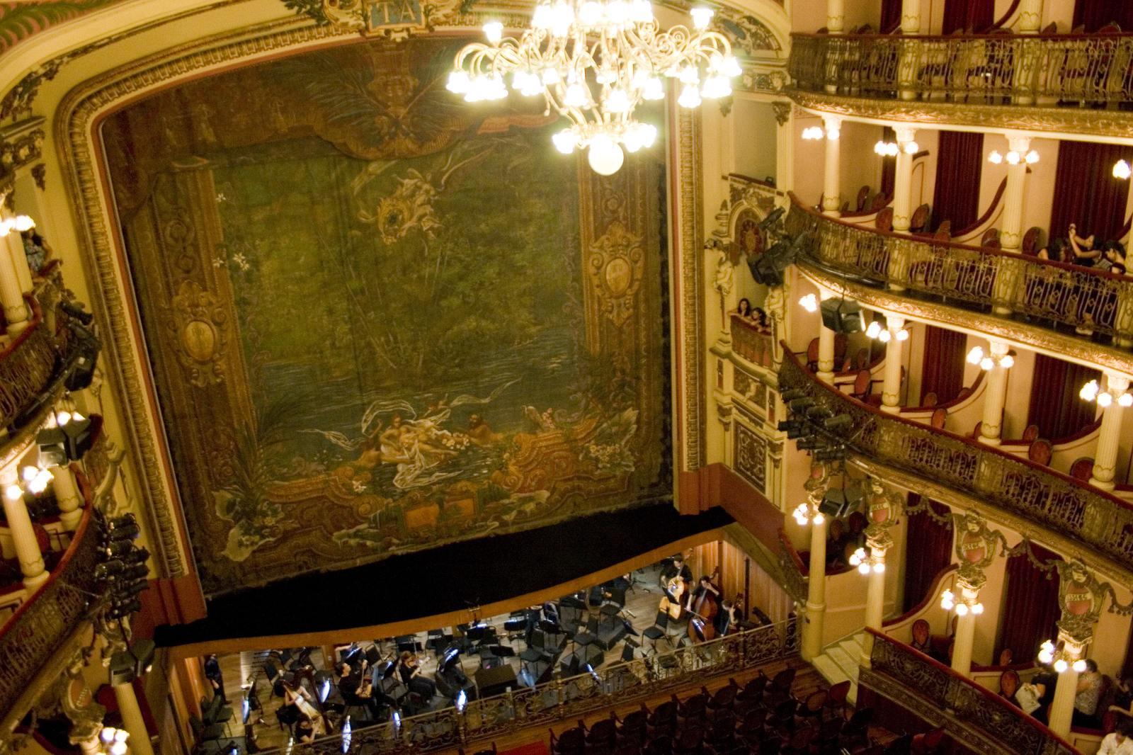 teatro amazonas1 Teatro Amazonas   Opera House in the Heart of Amazonia