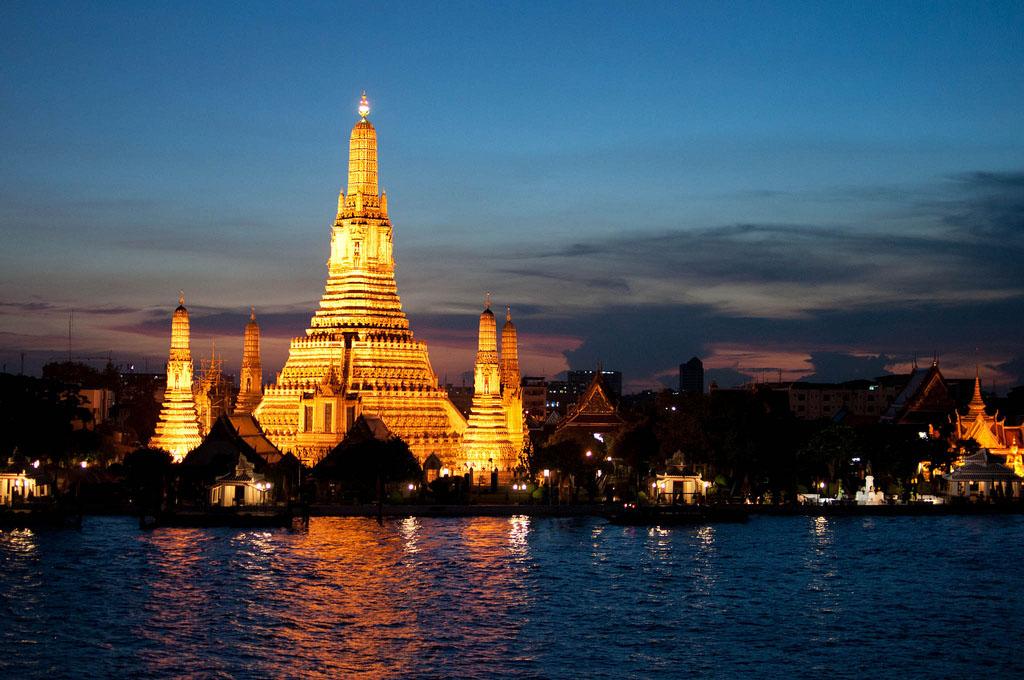 wat arun Things to Do in Bangkok Wat Arun