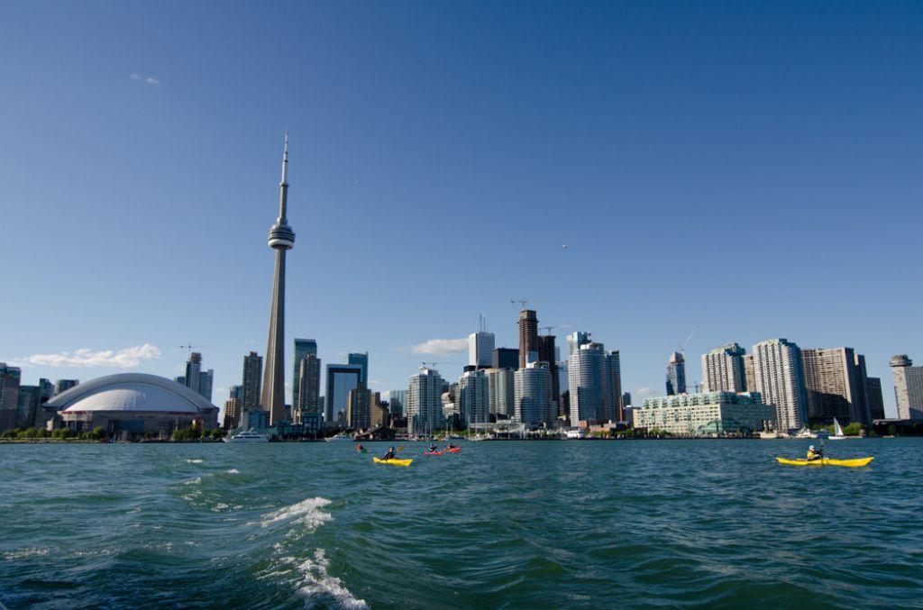 cn tower1 CN Tower   Toronto Landmark