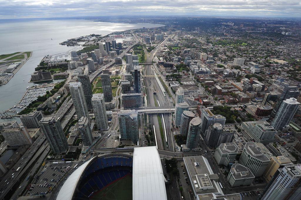 cn tower13 CN Tower   Toronto Landmark