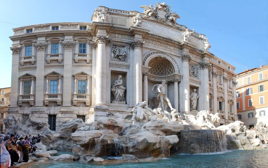 fountain trevi Trevi Fountain   The Most Famous Fountain of All