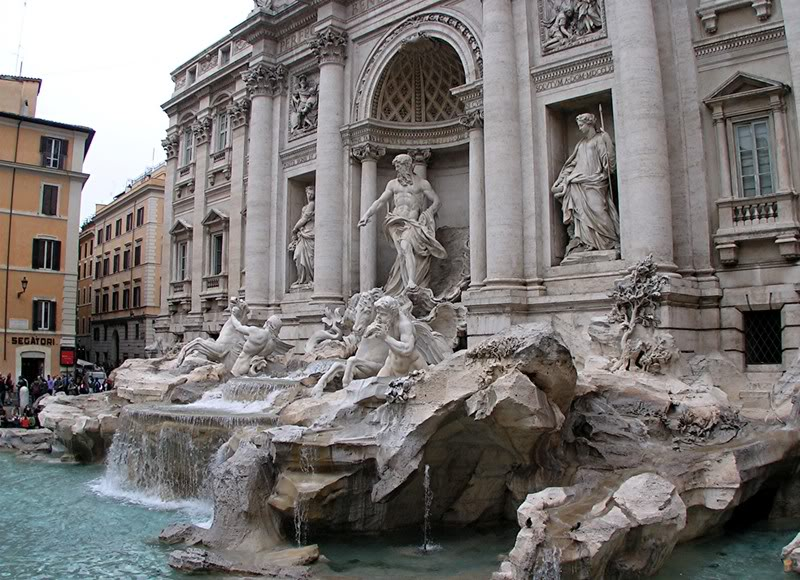 fountain trevi9 Trevi Fountain   The Most Famous Fountain of All