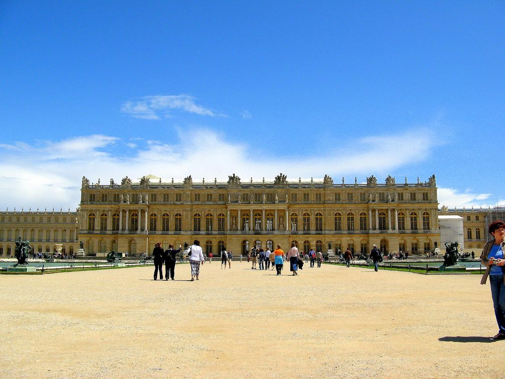 chateau de versailles1 Versaille One of the Most Popular Visitor Attractions around Paris