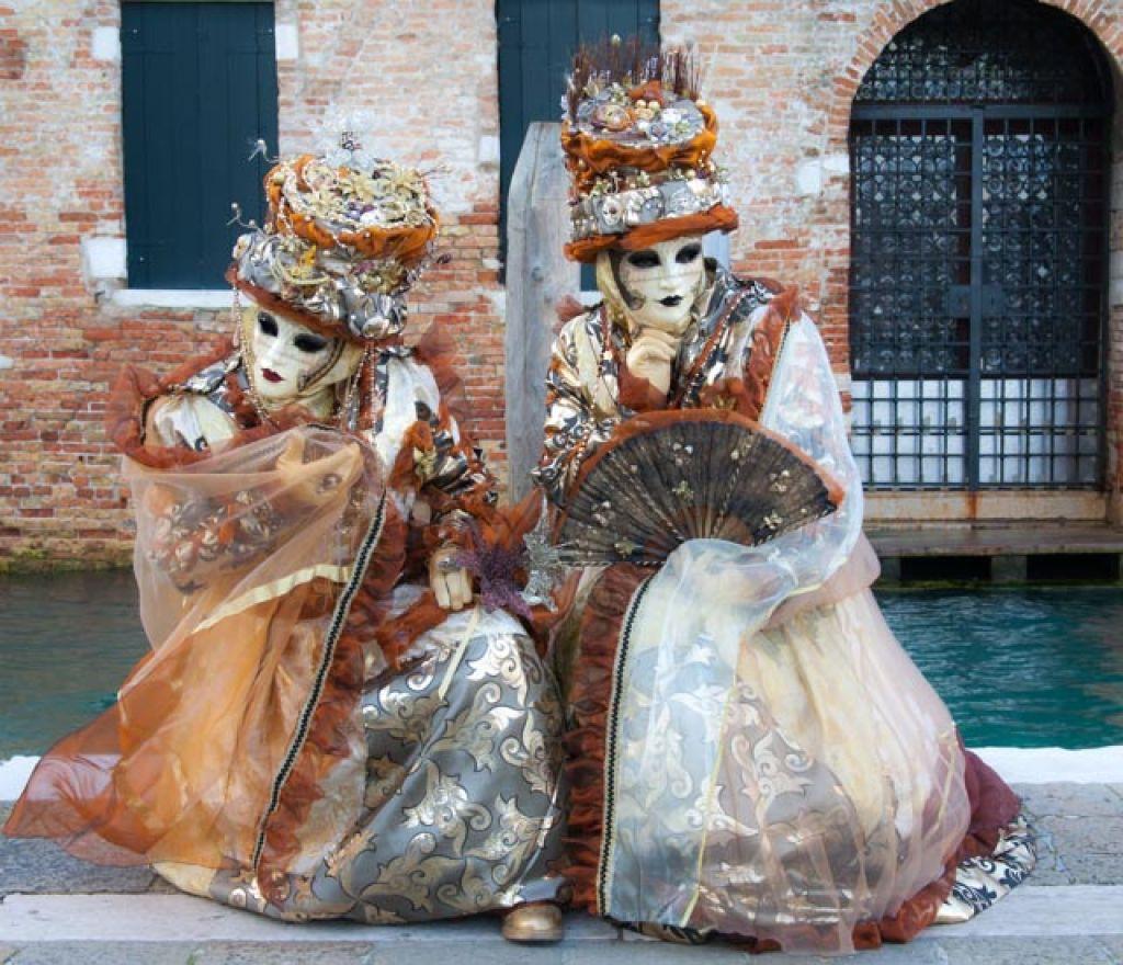 venice carnival12 Carnival Costumes at Santa Maria della Salute