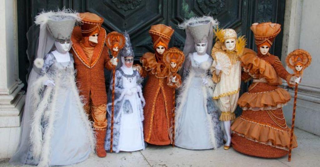 venice carnival14 Carnival Costumes at Santa Maria della Salute