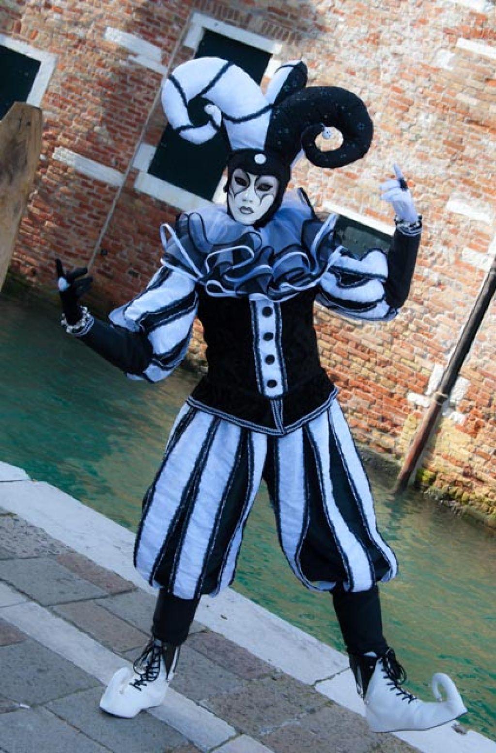 venice carnival3 Carnival Costumes at Santa Maria della Salute