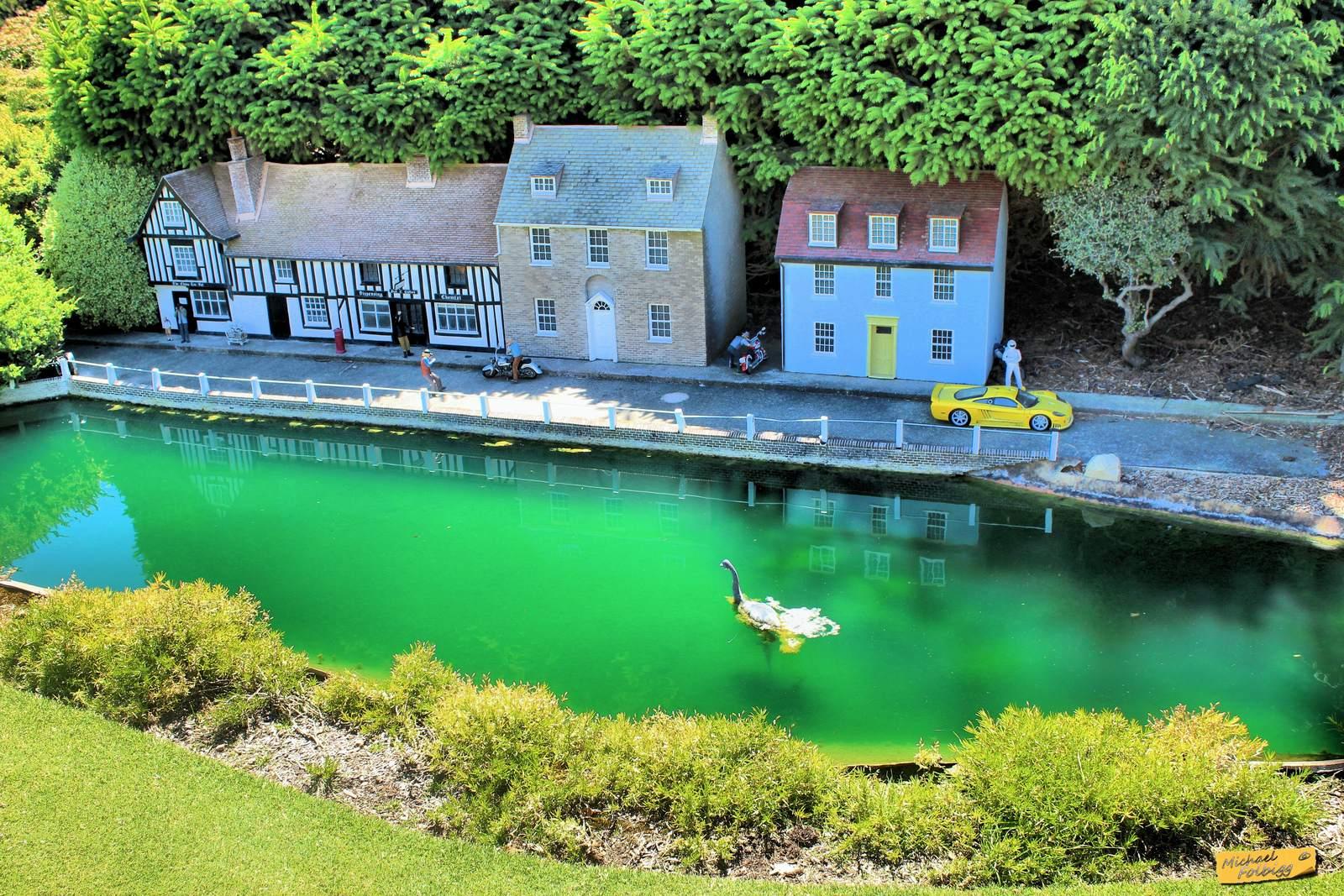 cockington green7 Cockington Green Gardens   Park of Miniatures