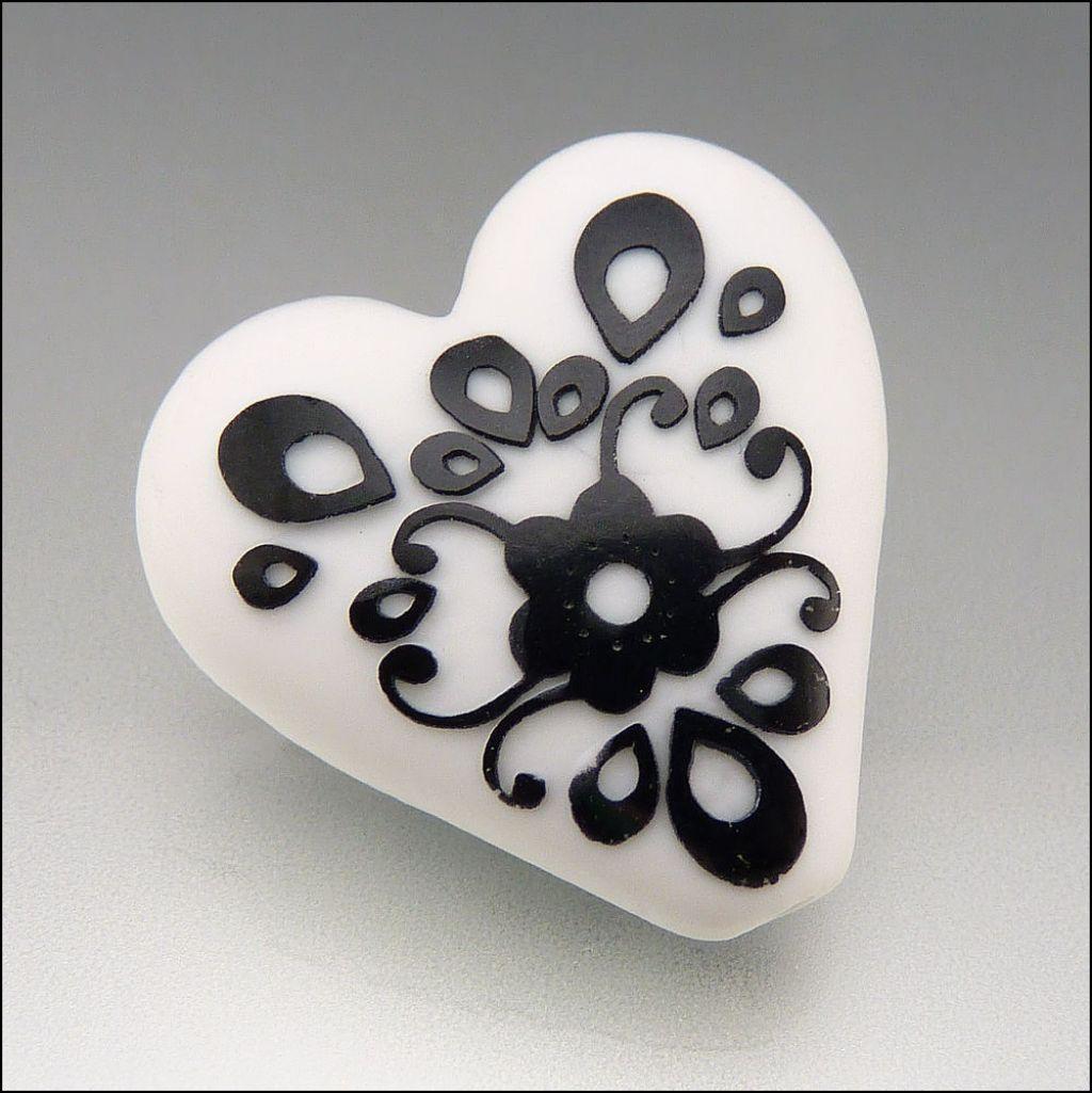 glass art8 Handmade Lampwork Hearts by Stephanie