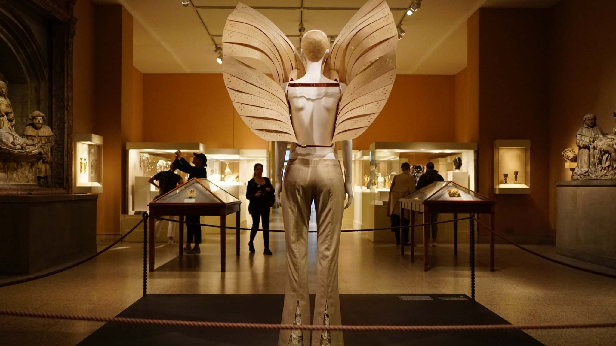heavenly bodies14 Heavenly Bodies: Fashion and the Catholic Imagination in MET