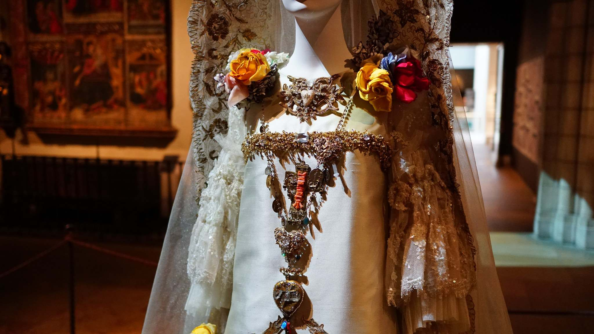 heavenly bodies2 Heavenly Bodies: Fashion and the Catholic Imagination in MET