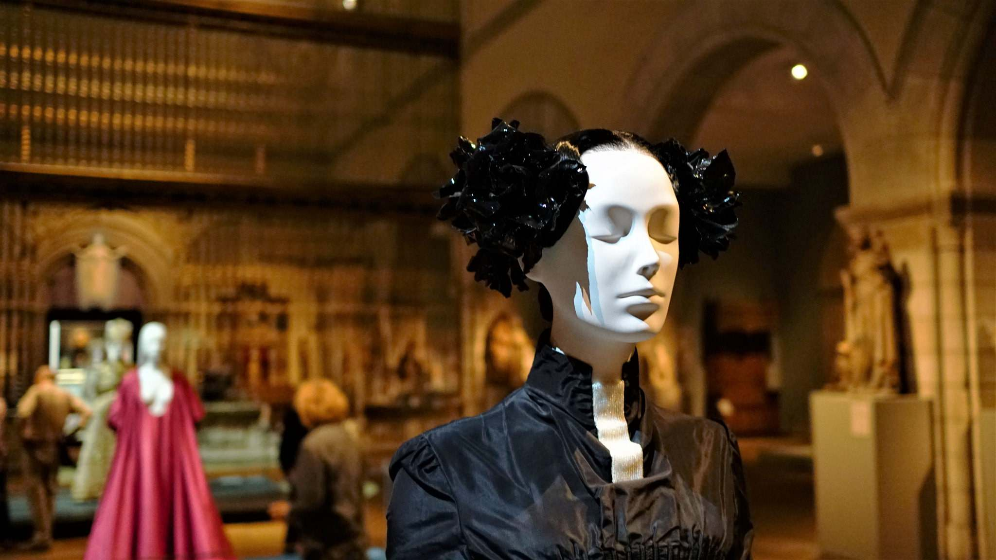 heavenly bodies5 Heavenly Bodies: Fashion and the Catholic Imagination in MET
