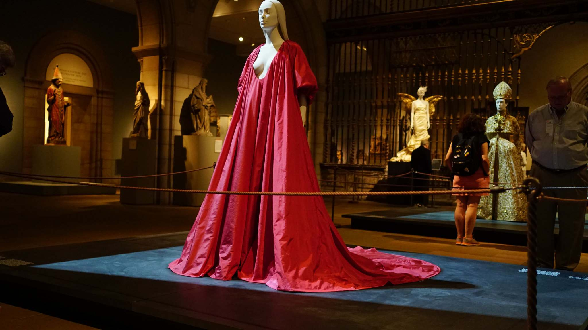 heavenly bodies6 Heavenly Bodies: Fashion and the Catholic Imagination in MET